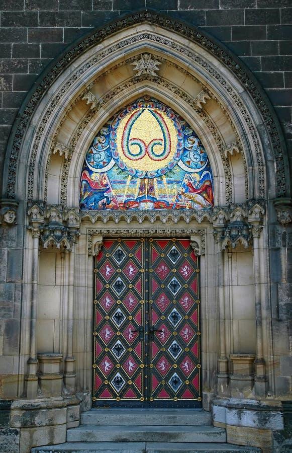 Massives gotisches Portal lizenzfreies stockbild