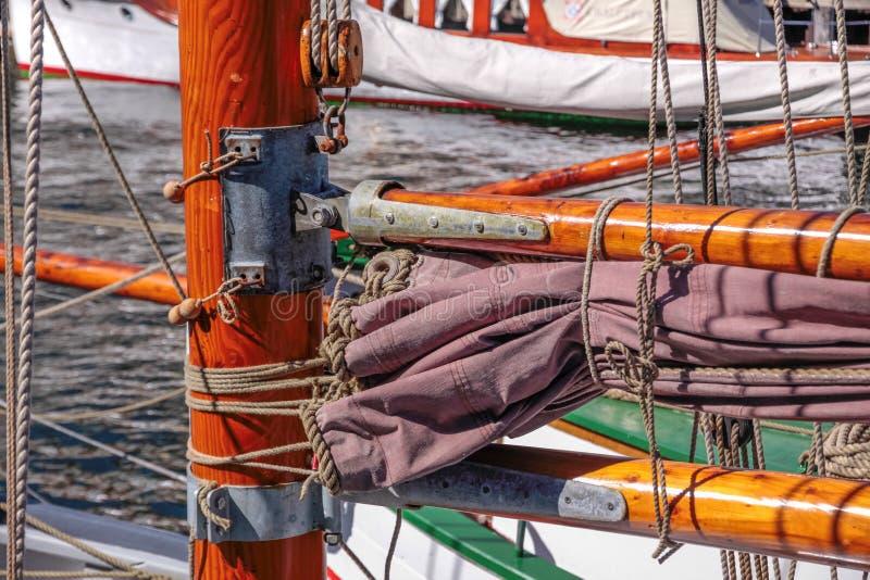 Maste des alten Segelschiffs stockfotografie