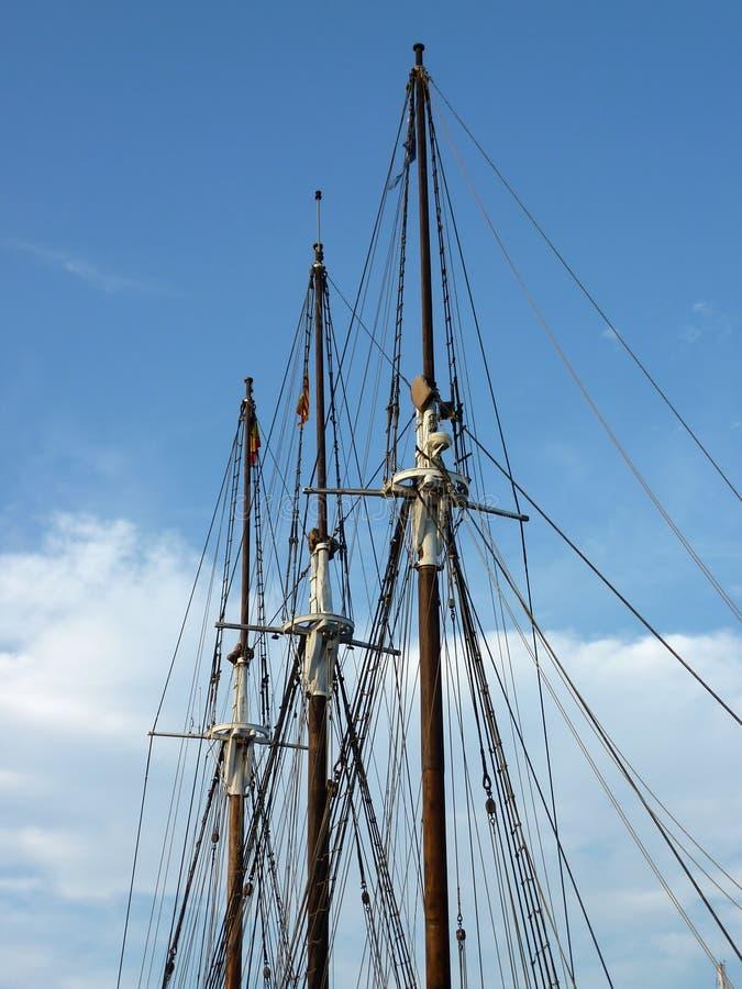 Maste eines historischen Bootes lizenzfreies stockfoto
