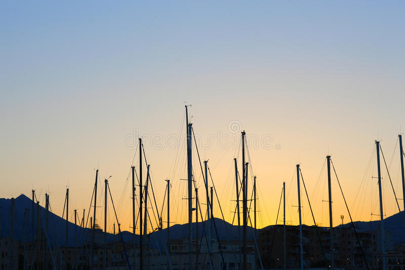Maste von Yachten stockfotografie