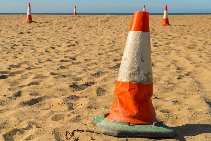 Masten auf dem Strand stockbild
