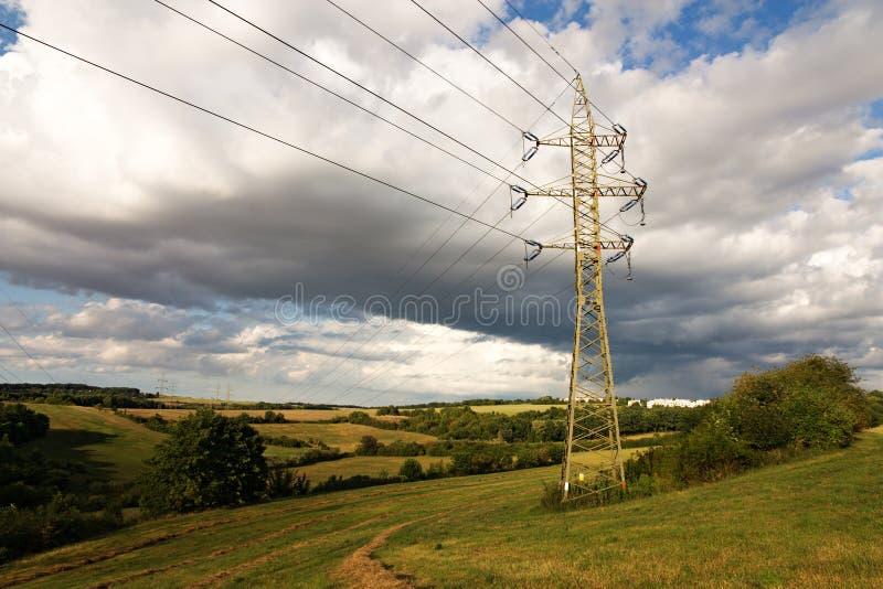 Masten in der Landschaft lizenzfreie stockbilder