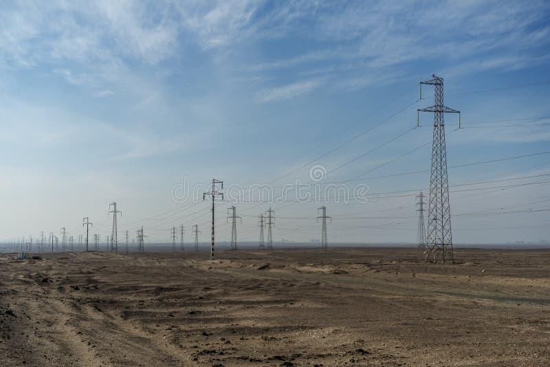 Masten in der Wüste stockbild