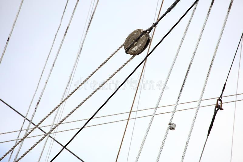 Masten en kabel van varend schip. stock foto