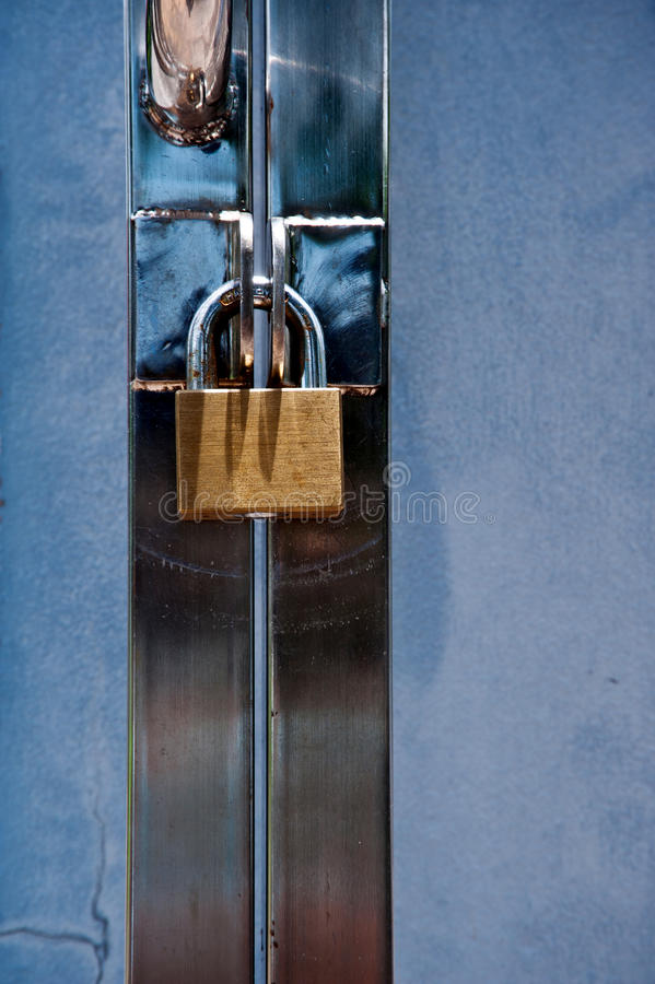 Download Master key stock photo. Image of chain, lock, break, link - 22427334