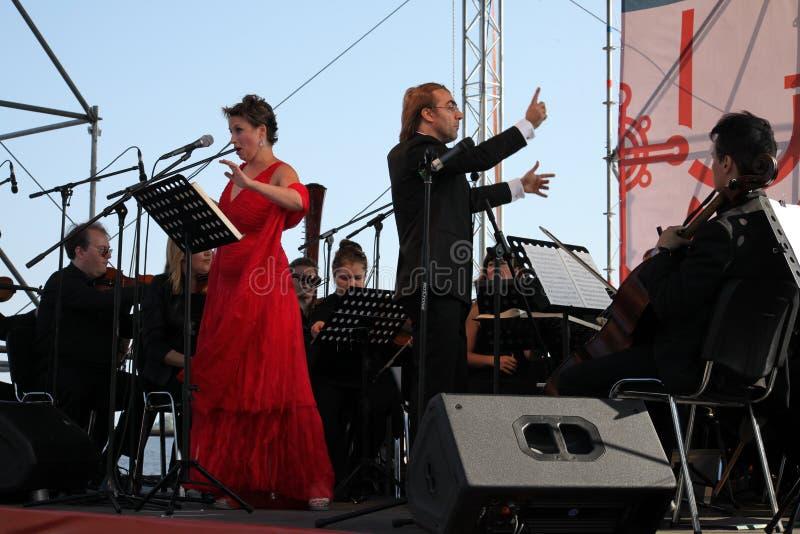 Mastrangelo italien de Fabio de soprano de schillaci de Daniela d'étoile d'opéra de diva (théâtre La Scala, Italie) et de chef d' photo libre de droits