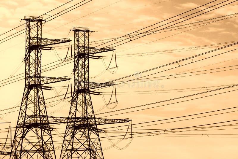 Mastros da energia eléctrica imagem de stock