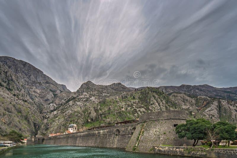 Masywne ściany Kotor Stary miasteczko obrazy royalty free