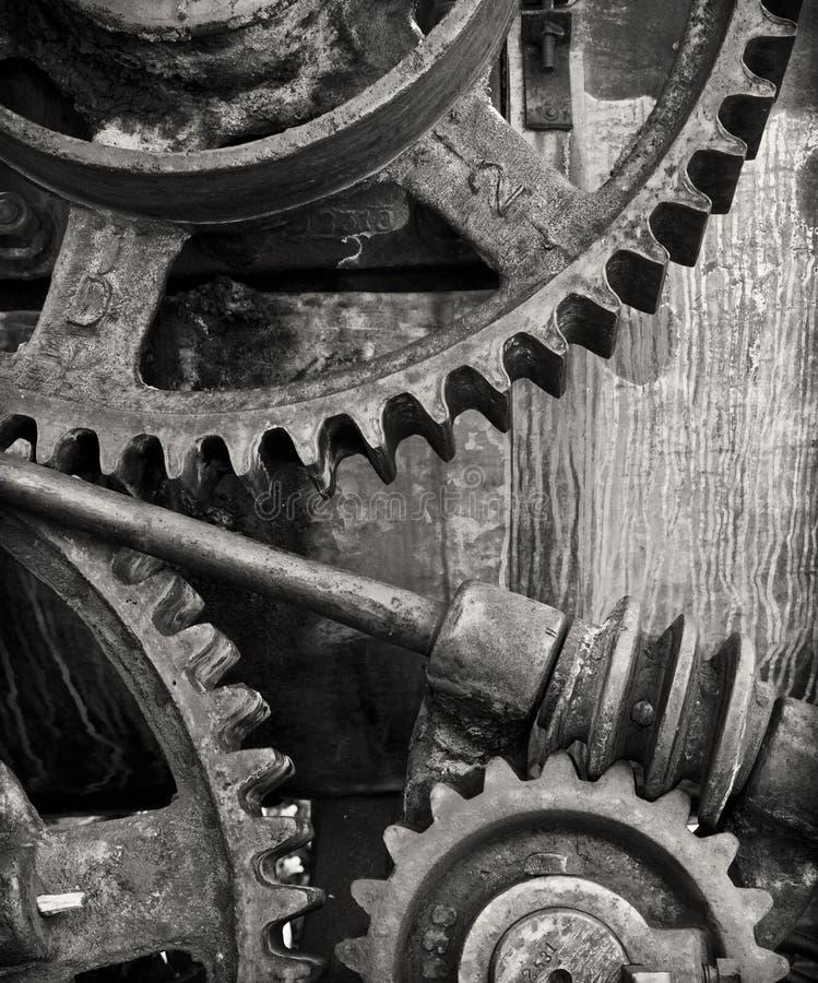 Download Maszyna zdjęcie stock. Obraz złożonej z ośniedziały, folował - 15212678