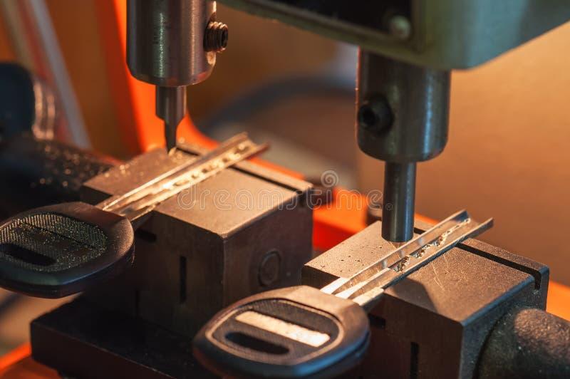 Maszyna robi kluczom obrazy stock