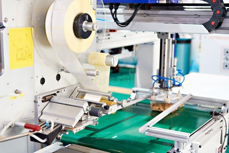 Maszyna ważyć i przylepiać etykietkę zdjęcia royalty free