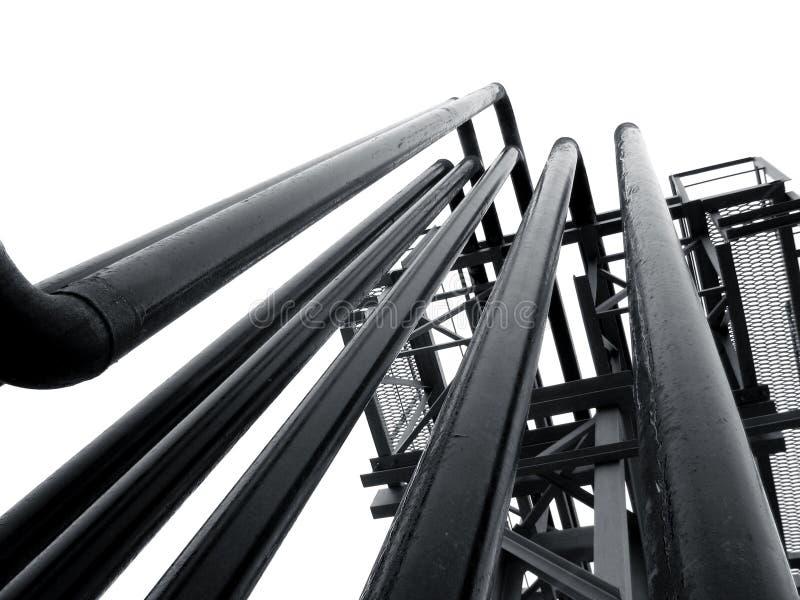 Matériel, câbles et tuyauterie à la centrale photographie stock libre de droits