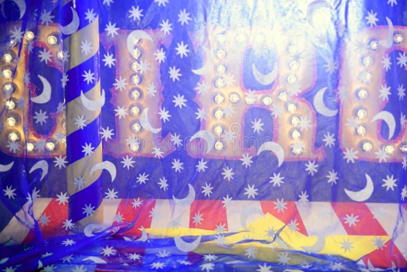 Matériel de clown de récréation de métaphore de concept de cirque photo stock