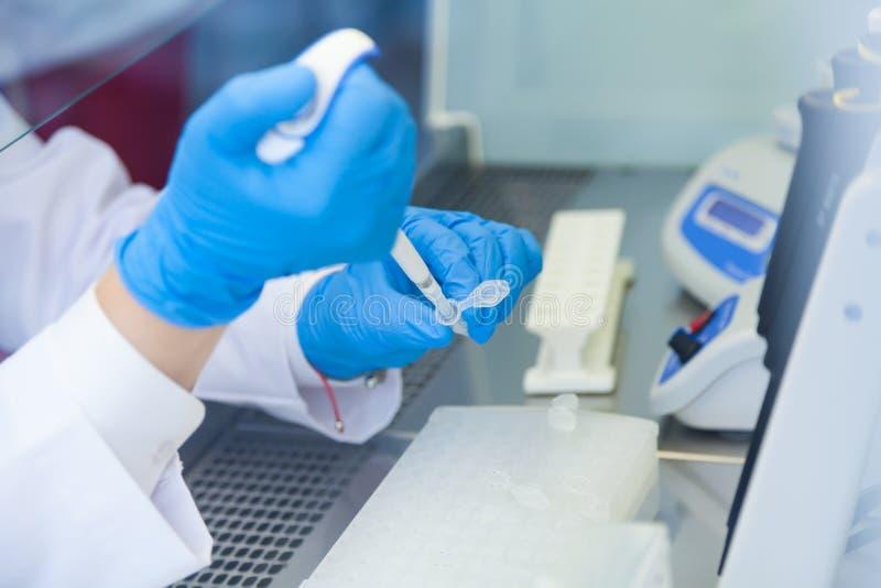 Matériel médical pour des analyses de sang photo stock