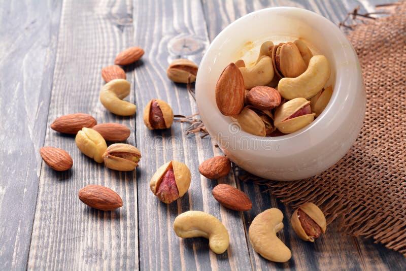 mat inramniner blandad nuts serie royaltyfri fotografi
