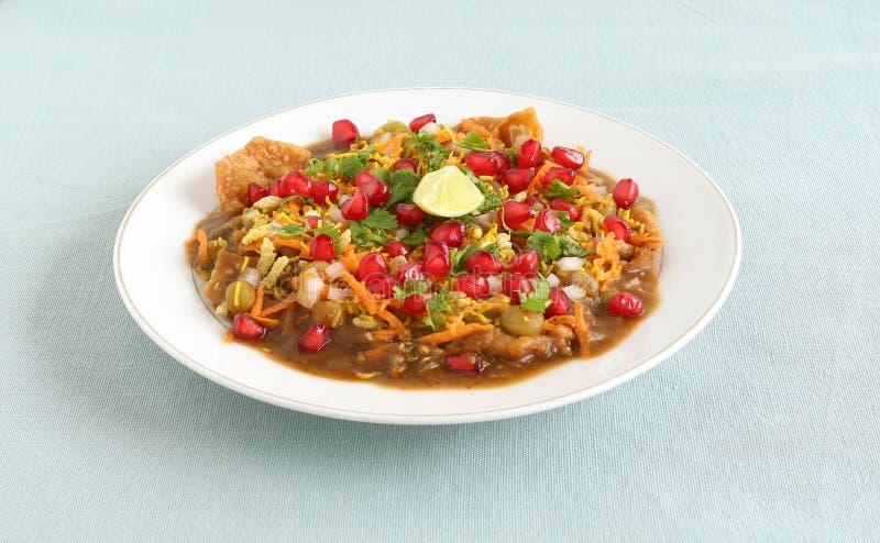 Mat Masala Puri för gata för Indien ` s populär arkivbild