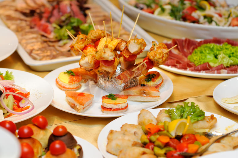 Mat på partiet royaltyfria bilder