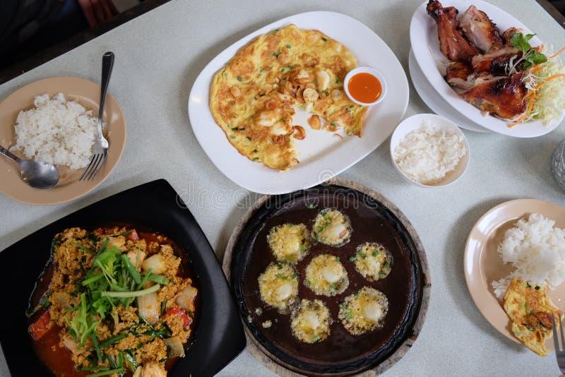 Mat på restaurangen arkivbild