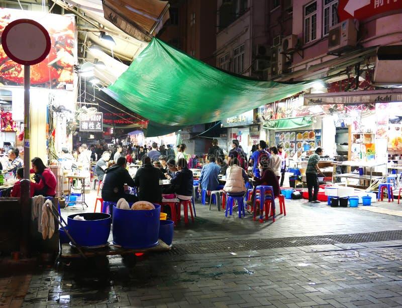 Mat stannar i marknad för tempelgatanatt royaltyfria bilder