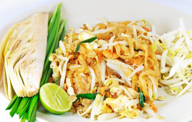 mat thai stekt tha för stil för stir för nudelblockrice royaltyfri bild