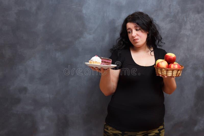 Matböjelse, bantar, sjukvården, vikt som lossar, kondition, brunn arkivfoton