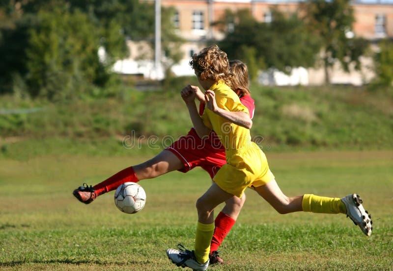 Match de football d'enfants images stock