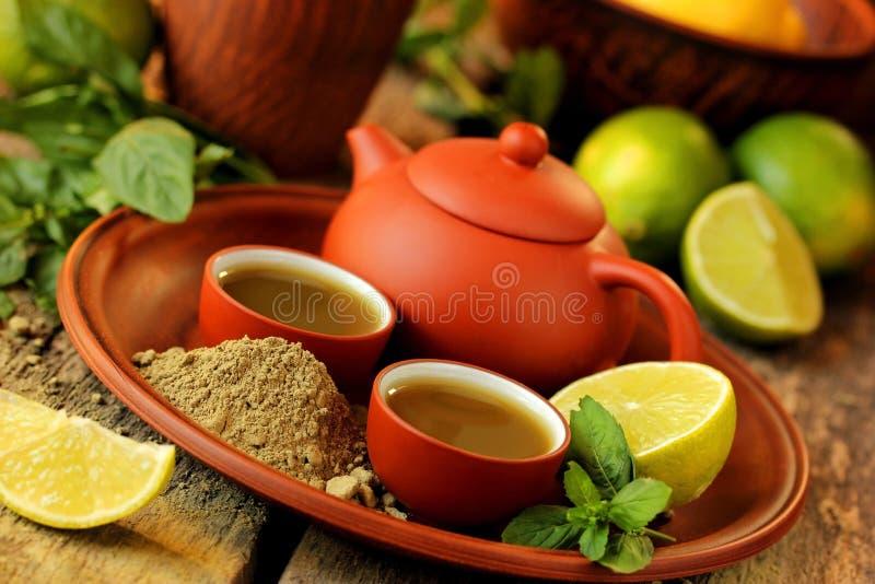 Matcha绿茶、石灰和薄菏 免版税图库摄影