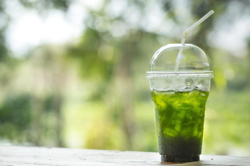 Matcha de thé vert de glace photo stock