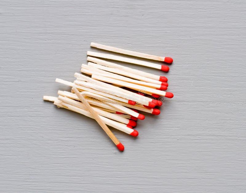 Download Matcher på grå färger fotografering för bildbyråer. Bild av rött - 37344743