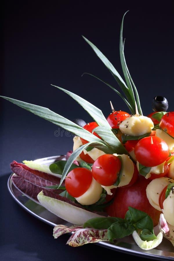 Download Matdeltagareuppläggningsfat Fotografering för Bildbyråer - Bild av ingredienser, färgglatt: 3543007