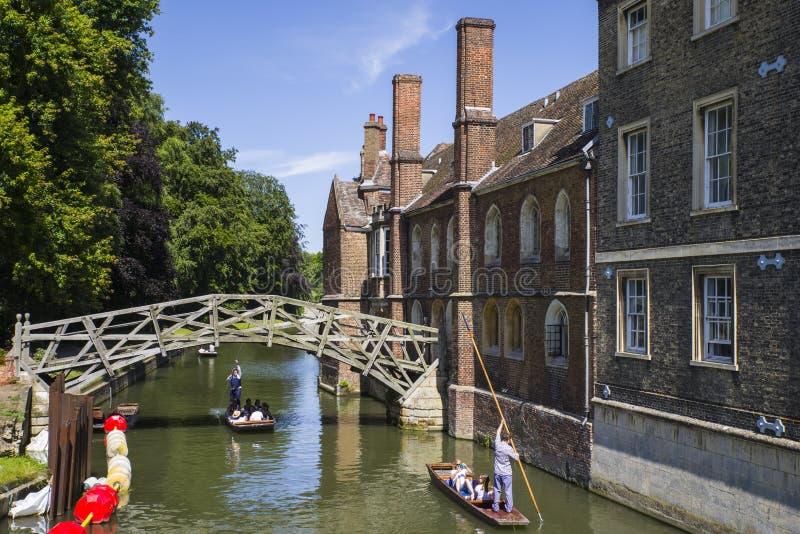 Matematisk bro i Cambridge arkivfoton