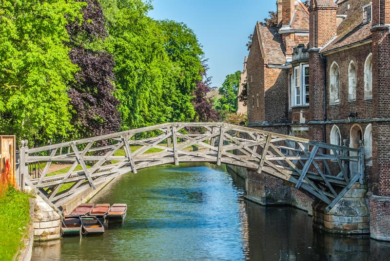 Matematycznie most przy queens szkołą wyższą w Cambridge, Maj 26 2012 Zjednoczone Królestwo zdjęcie stock
