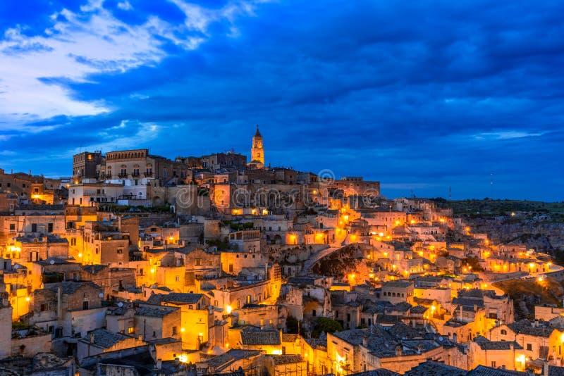 Matera Basilicata, Italien: Överblick av den gamla staden - Sassi di Matera royaltyfria foton