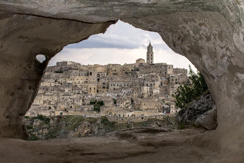 Matera da una caverna fotografie stock libere da diritti