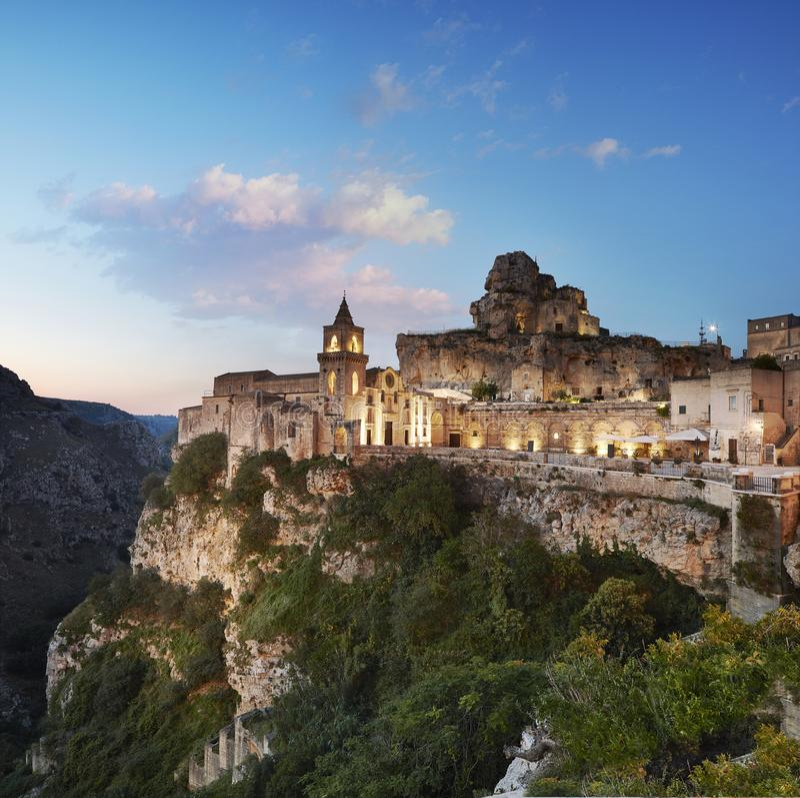 Matera, vista panorámica del Sasso Caveoso fotos de archivo