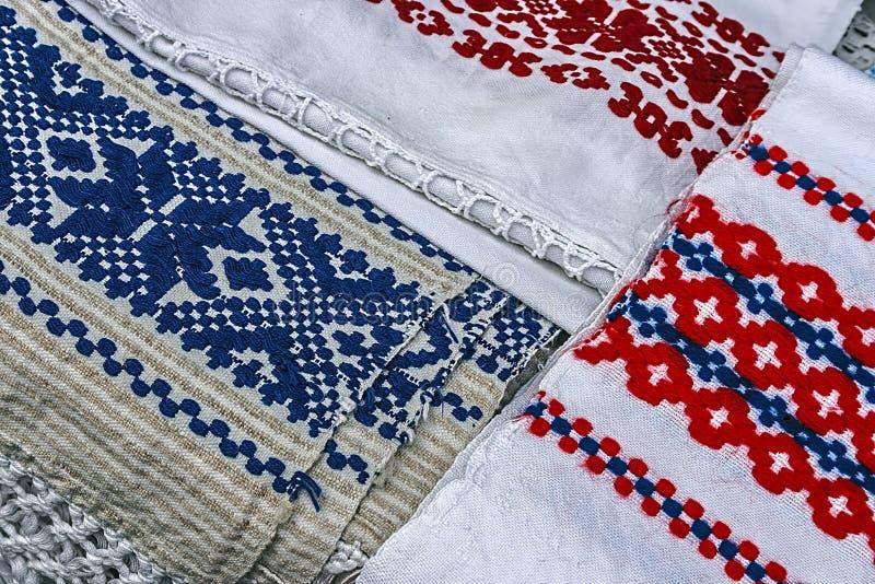Materiały i haftujący Rumuński tradycyjny zdjęcie stock