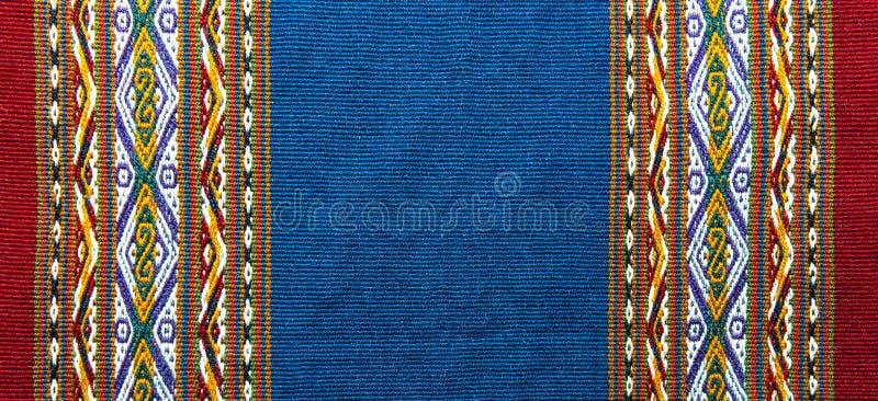 Materia textil indígena de los Andes en Cusco, Perú foto de archivo