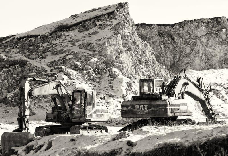 Materiaal verlaten in de kalksteensteengroeve stock foto