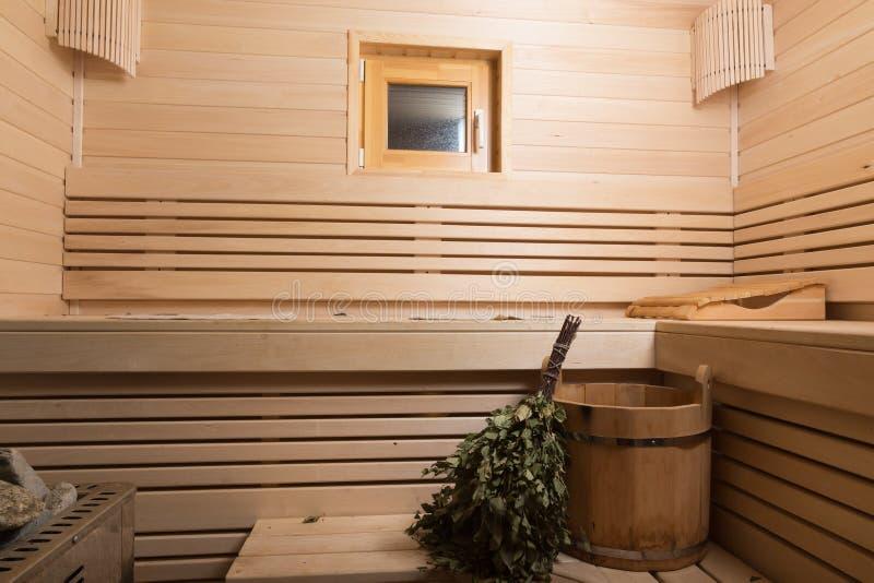 Materiaal voor sauna in licht houten comfortabel binnenland royalty-vrije stock fotografie