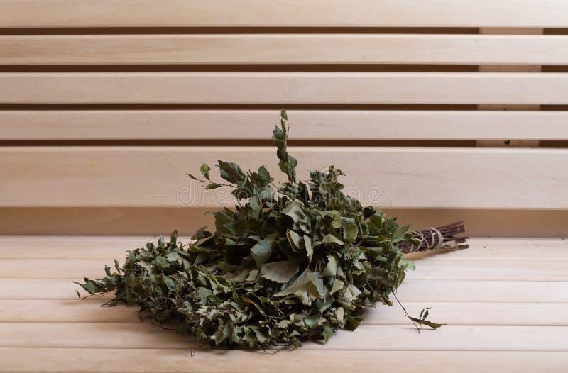 Materiaal voor sauna in licht houten comfortabel binnenland royalty-vrije stock afbeeldingen