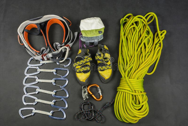 Materiaal voor veilige bergbeklimming stock afbeelding