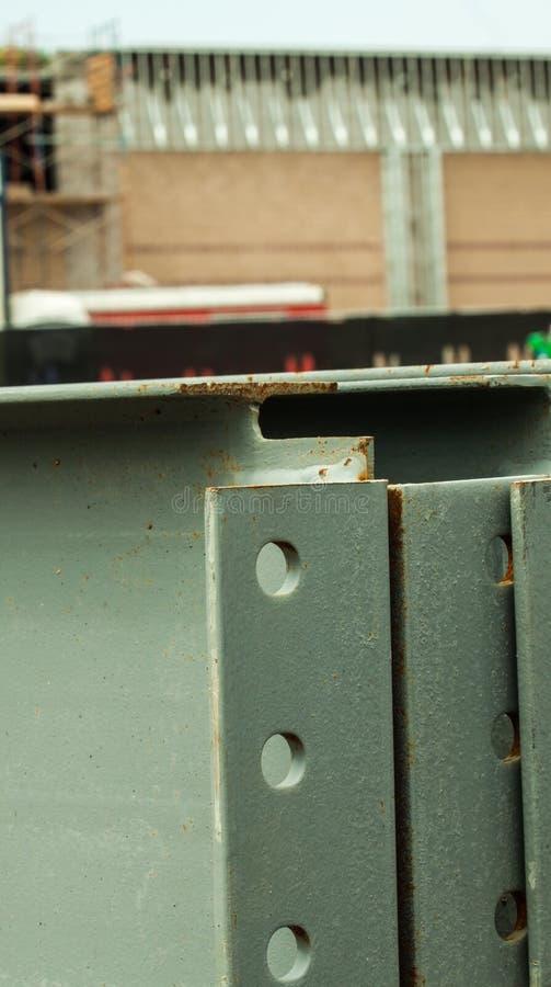 Materiais de construção do ferro do local do trabalho da construção fotografia de stock