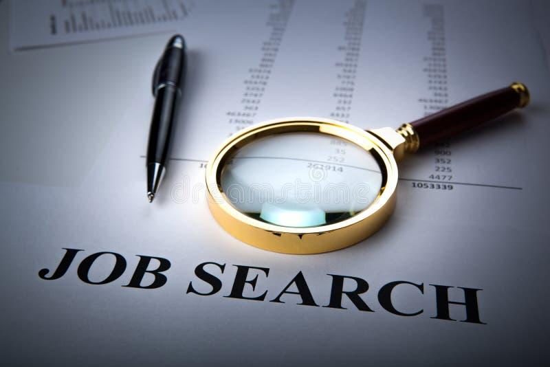 Materiais de escritório e procura de emprego foto de stock