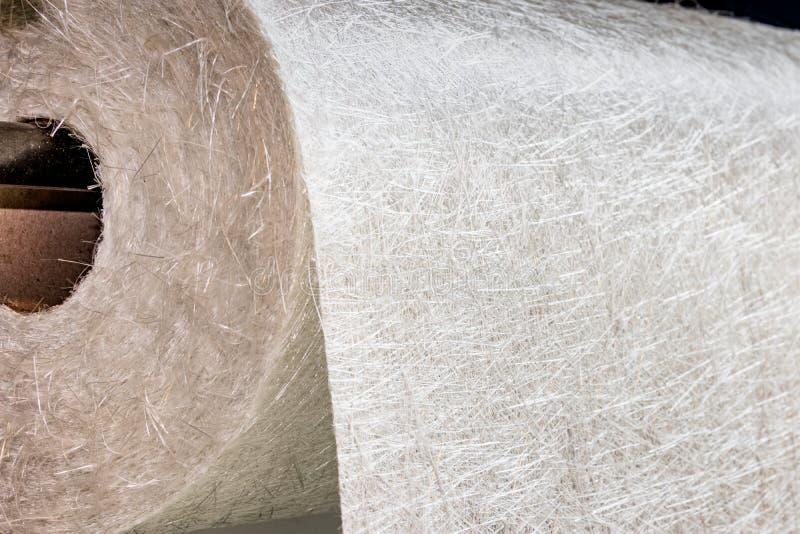 Materiale composito del rotolo del tessuto della vetroresina immagini stock libere da diritti