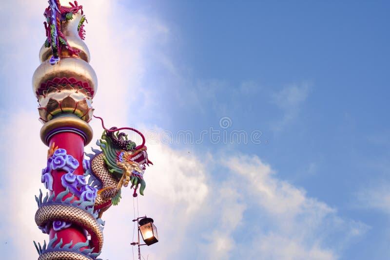 Materiale illustrativo buddista di architettura di arte della scultura del drago spettacolare fotografia stock