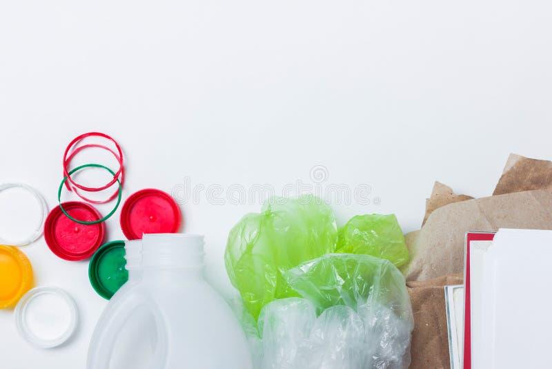 Materiales reciclables Visi?n superior foto de archivo libre de regalías
