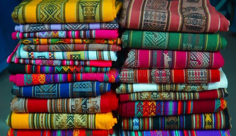 Materias Textiles Peruanas Coloridas Fotografía de archivo