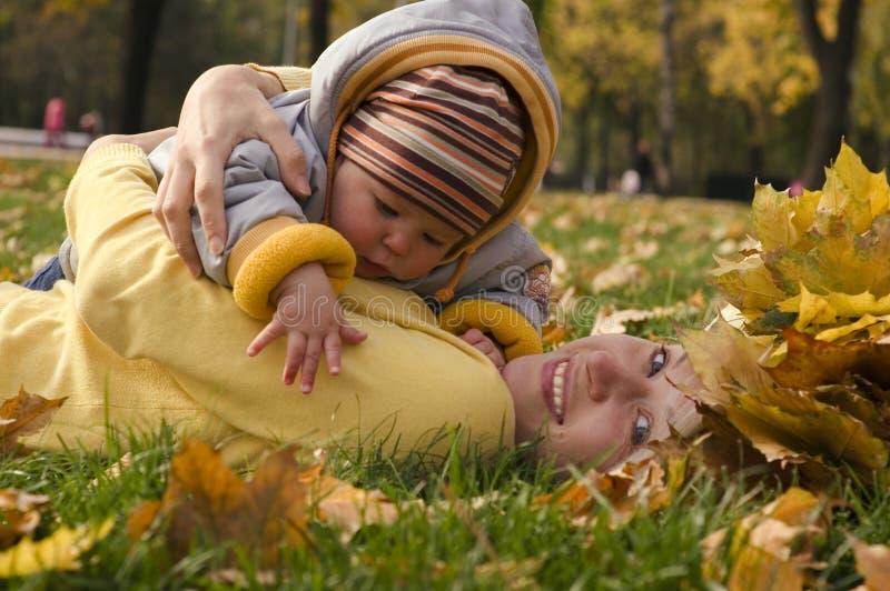 Maternidade feliz imagens de stock