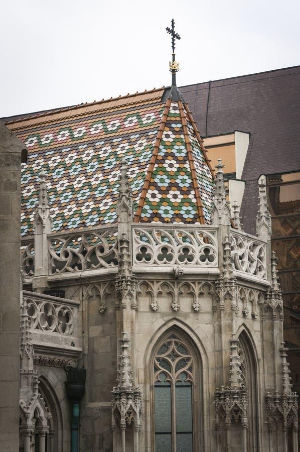 Mathias Church på bastionen för fiskare` s i den Budapest Ungern royaltyfri foto