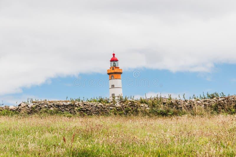 Mathieu latarnia morska i poprzedni opactwo przy Pointe Mathieu obraz stock